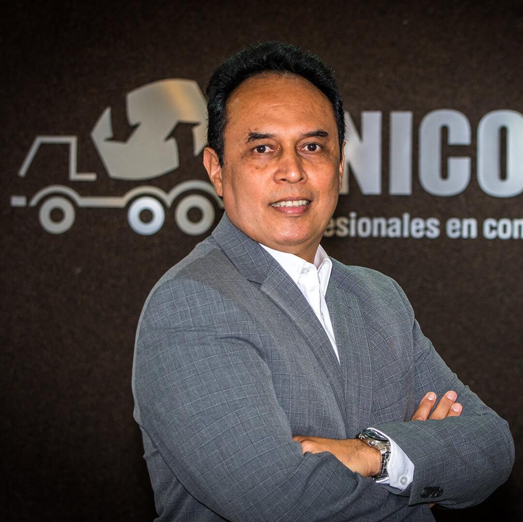Dr. Miguel Caldas