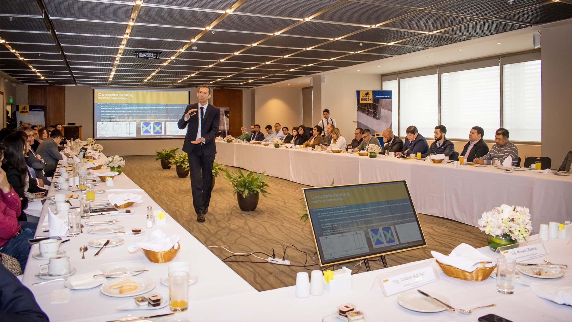 """Desayuno Ejecutivo UNICON: PERÚ – CHILE  """"Desafíos de una construcción sostenible"""""""